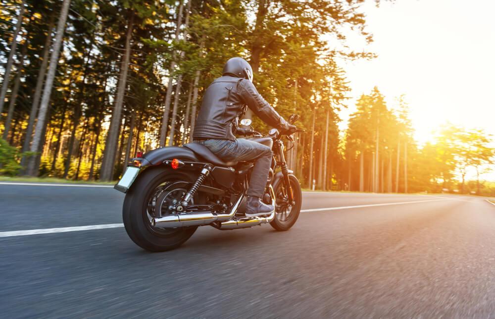 Rouler à moto en été : nos conseils ! - Heyme